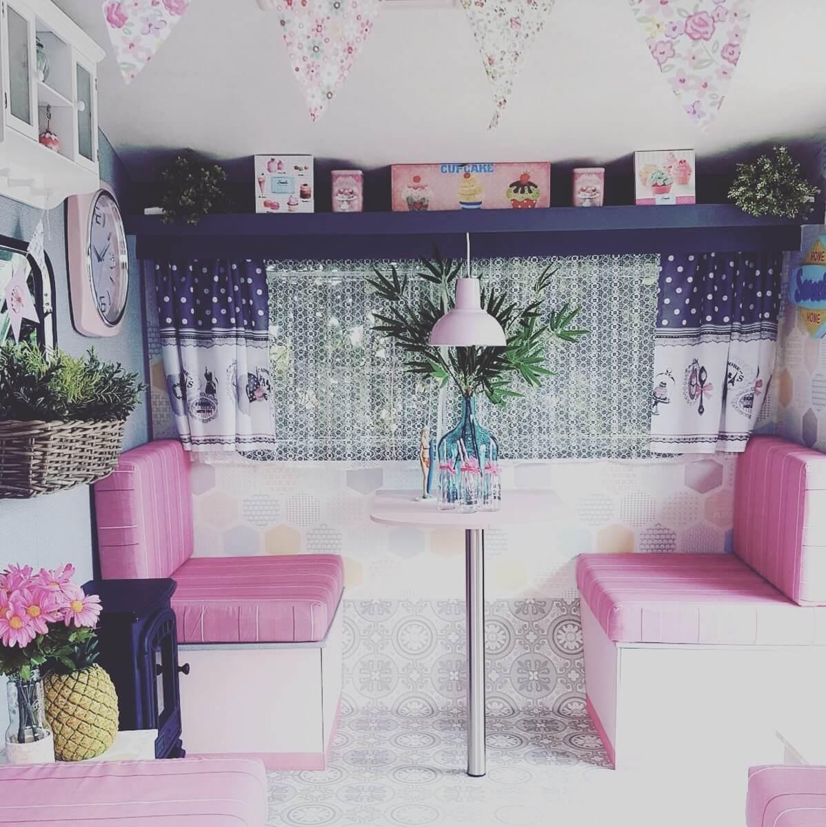 deco caravane art galerie zeuxis appartement deco. Black Bedroom Furniture Sets. Home Design Ideas