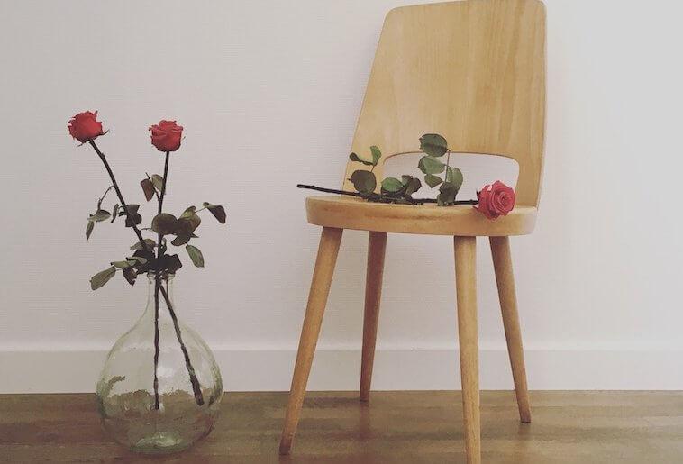 Chaise vintage en bois – Modèle Mondor Baumann