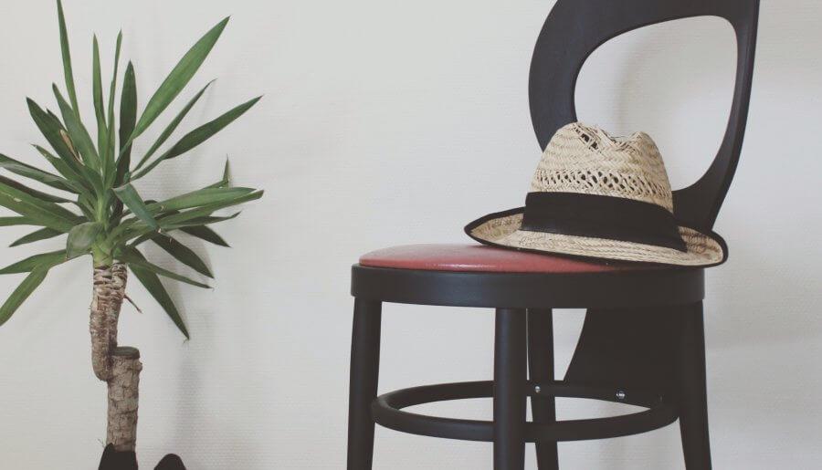 Chaise vintage en bois – Modèle Mouette Baumann